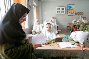 نقص و اشکالات آئیننامه های دولت برای استخدام معلمین حقالتدریس باید رفع شود